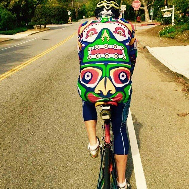 ... TAG a mate who'd look good in this suit   Pic @roadbikelover