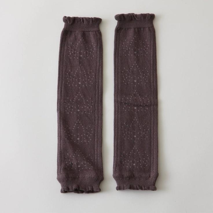 SOUELIADO/レッグウォーマー ブラウン 1050yen 花柄のすかし編みがかわいらしいレッグウォーマー