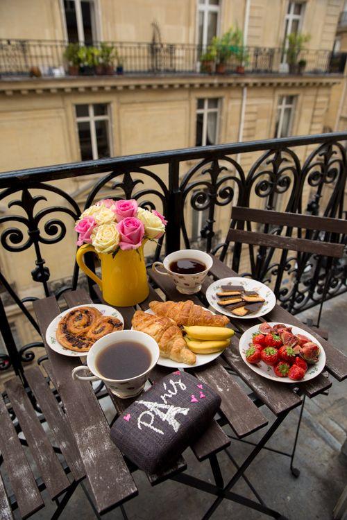 Mornings In Paris - Gal Meets Glam: