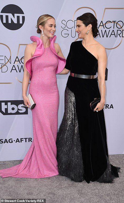 SAG Awards 2019: Emily Blunt looks sensational in a dramatic pink