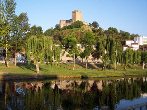 Imagen de http://www.acmur.es/Viajes/Relatos/Archivos/Costa_da_Morte/Fotos/CostaMorte_Johnny-15.jpg.