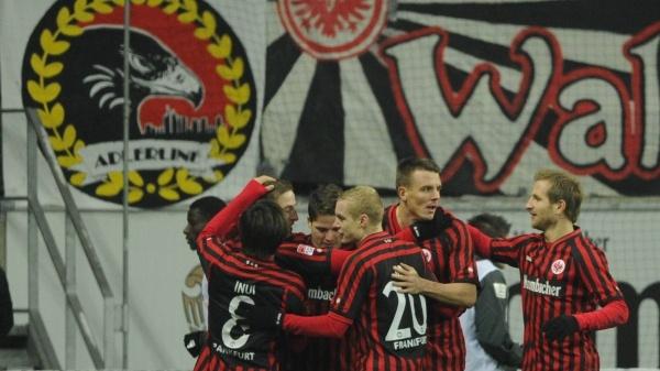 Die Eintracht jubelt! Alex Meier (2.v.r.) hat das 1:0 erzielt