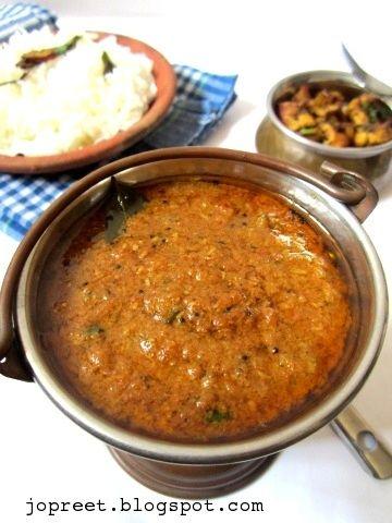 Poondu Kozhambu ( Garlic Curry) Oh lordy come at me!