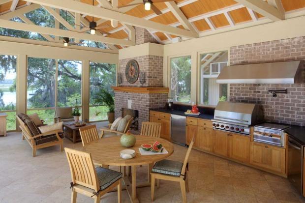 spacious brick & oak outdoor kitchenIdeas, Summer Kitchens, Kitchens Design, Screens Porches, Outdoor Living, Indoor Outdoor, Outdoor Kitchens, Outdoor Room, Outdoor Spaces