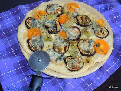 Moje Małe Czarowanie: Pizza z grillowanym bakłażanem i karczochami