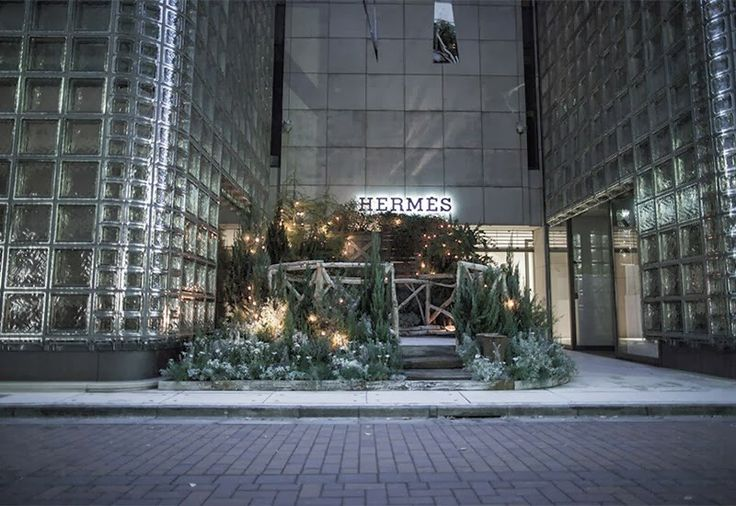 Hermès Celebrates Christmas With A Mini Ice Skating Rink In Tokyo ~ Luxury Ideas