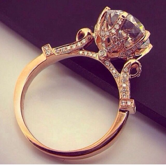 Gorgeous vintage wedding ring.