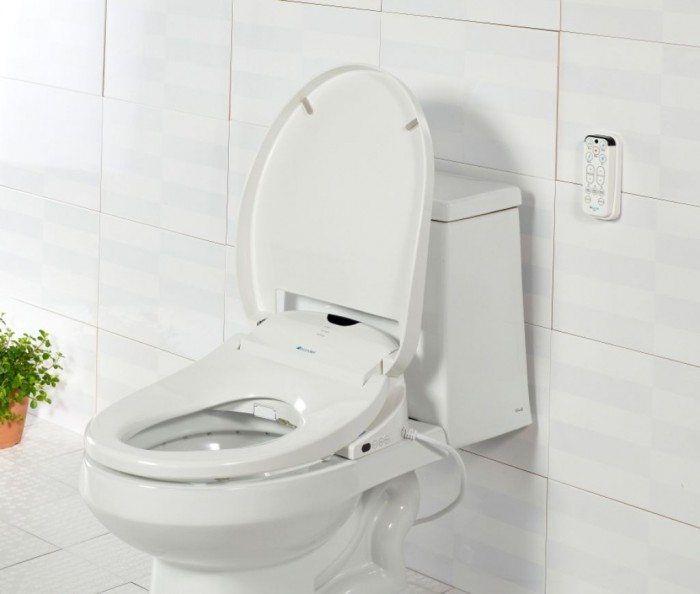 Bathroom Amenities [modern bathroom, modern, bathroom, modern bathroom design, design, modern design, small bathrooms, bath, bidet, bidet toilets, toilet seats]