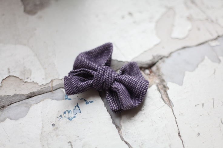 ARM OUT OF THE SUITCASE  #fashion #photography #sewing #look #accessories #ribbon #bow tie