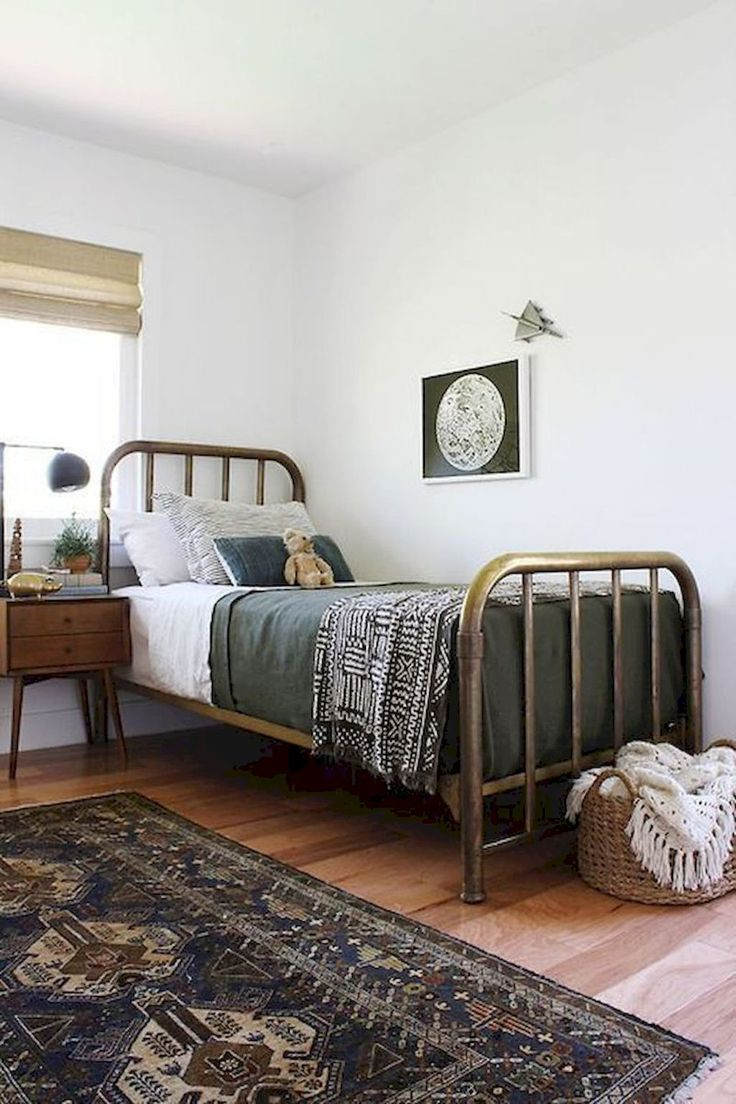 Nice 80 Modern Farmhouse Style Bedroom Decor Ideas https://wholiving.com/80-modern-farmhouse-style-bedroom-decor-ideas