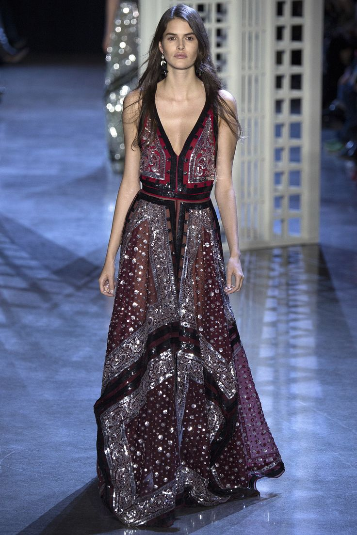 Altuzarra Fall 2016 Ready-to-Wear Fashion Show - Interesting gypsy spirit reflected in the strange colour combinations and abundance of pattern. This dress is a play on the paisley handkerchief style.