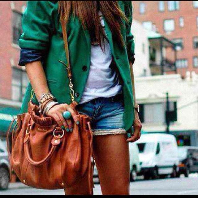 Fashion Factories, Fashion Fade, Clothing Bloggers, Fashion Details, Fashion Clothing, Emeralds Colors, Fashion Choice, Fashion Bloggers, Dreams Closets