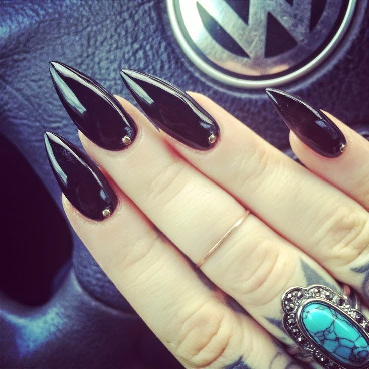 black sharp stiletto nails - Google Search (With images ...