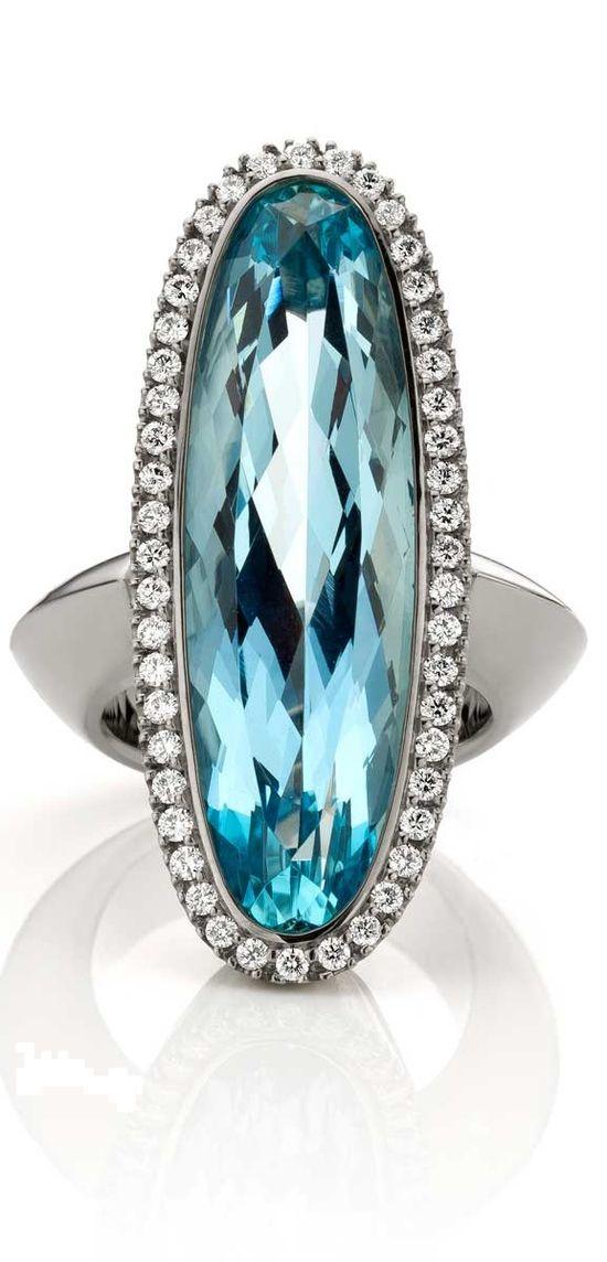 Aquamarin ring with Diamonds in 18k Oro Grigio (White gold) by Jochen Pohl♥✤