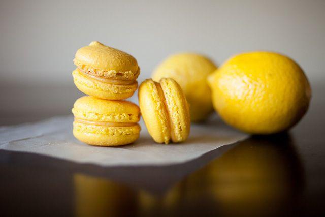 Macarons aux citrons avec thermomix. Voici une autre recette de Macarons aux citrons, facile et rapide a réaliser pour la fête d'Halloween chez vous.