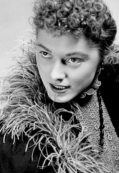 65 best Eleanor Parker images on Pinterest   Classic ...