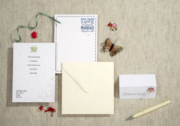How To Create Your Own Wedding Invitations...must refer to this when we are doing our inserts..