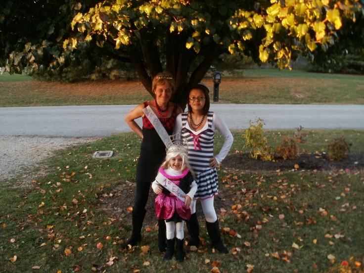 Mandy Flowers, Chrissie Flowers, Cassidy Nicole Hunter Halloween 2011