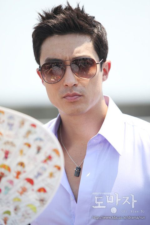 http://cardisa.hubpages.com/hub/Gorgeous-Korean-Actors-Sexy-Males-On-Screen