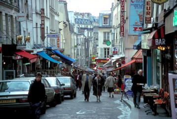 Rue Mouffetard - Latin Quarter near the Jardin du Luxembourg. This is the cobblestone market street. I remember this street!