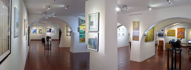 The gallery exhibits artworks literally, from around the world and painting, photography, sculpture, printmaking, drawing, watercolor, are displayed at Colorida's magnificent space with good care and people are most welcome to spend some time in its wonderful and cheerful atmosphere.