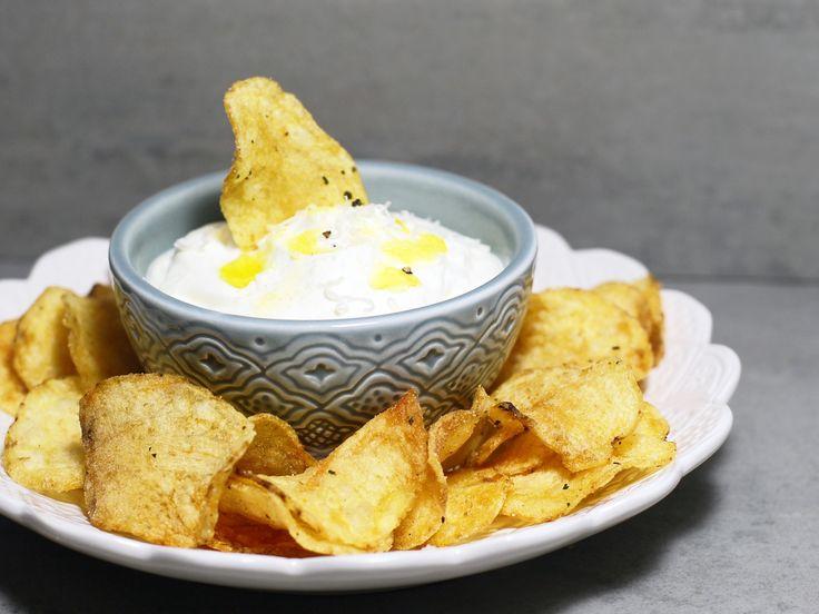 Lyxig tryffeldipp med krispiga chips | Recept från Köket.se