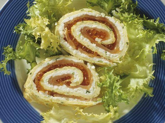 Eier-Lachs-Röllchen mit Kaviar und Hüttenkäse ist ein Rezept mit frischen Zutaten aus der Kategorie Pastete. Probieren Sie dieses und weitere Rezepte von EAT SMARTER!