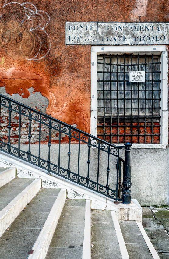 Sbarre alla finestra by Mathieu de Lorgeril on 500px