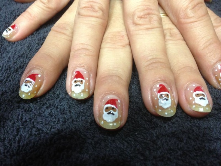 Navidad 2012. Santa en tus manos. Tus uñas más navideñas del año. ¡Atrévete! ¡Diviértete! ¡Disfrútalo! #uñas #estética #navidad #peluquerías #pepa #viñas #fiestas #fin #de #año