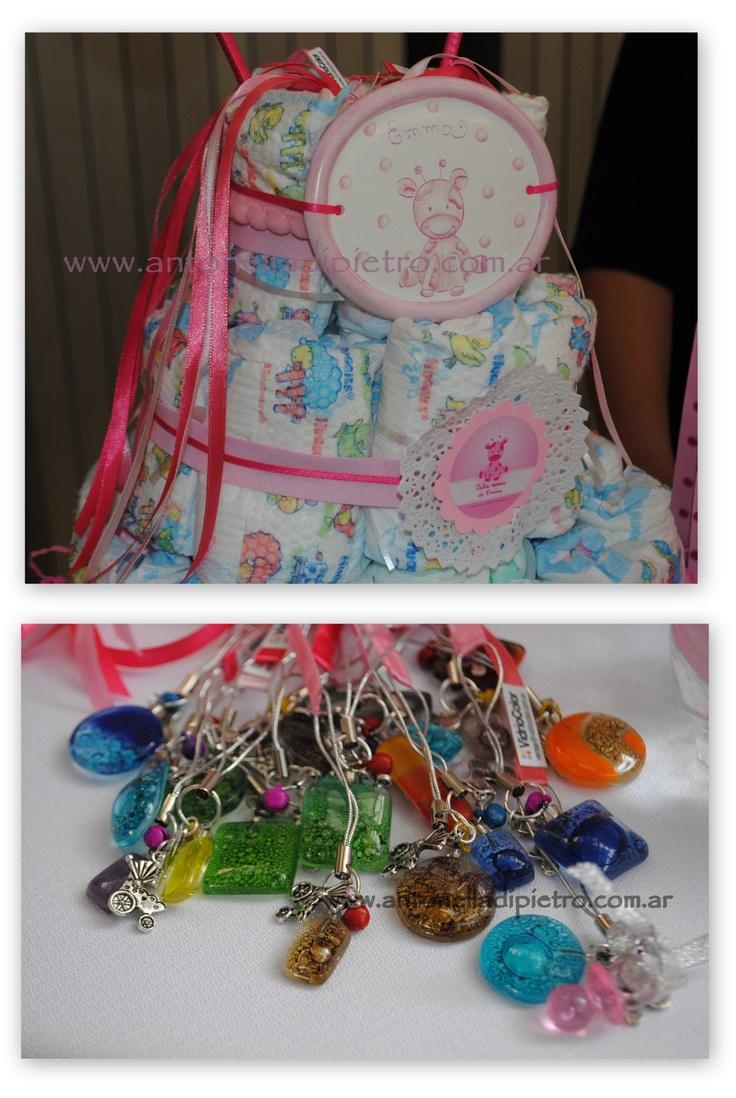 Torta de pañales, diaper cake, dijes para la torta de pañales en un baby shower #babyshower http://antonelladipietro.com.ar/blog/2012/11/babyshower-sandravillarruel/