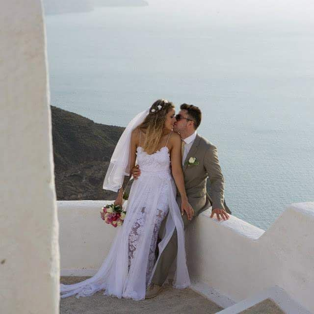 Their love is starts from #Santorini! #Wedding  Photo credits: @psdynamics