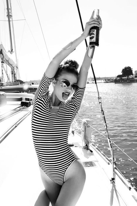 Just the kind of sailing outfit I like babe. Stripes. No pants. #perfect #captainfrank