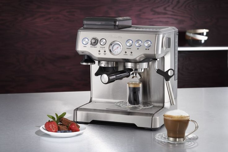 The Barista Express has a 67-ounce removable water tank as well as a specialized Purge Function which automatically adjusts the temperature of the water to ensure your perfect cup is always ready to be brewed.