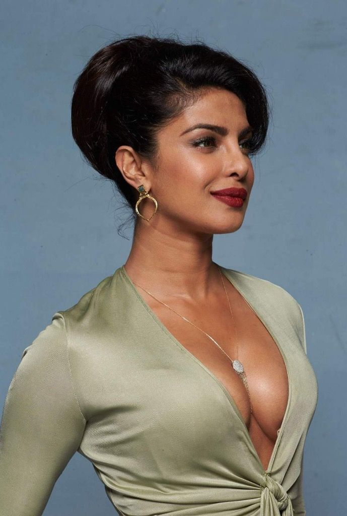Priyanka Chopra Deep Cleavage Show