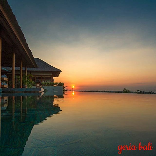 www.geriabalivacation.com/longhouse-villa/  #beautifuldestination #luxurytravel #destinosmaravilhososbyeli #hgtv #geriabali #balibible #balidaily #tbt #thegoldlist #luxwt #bali #balivilla #baliholiday #golden_heart #holiday #villalife #villalyf #travellerworld