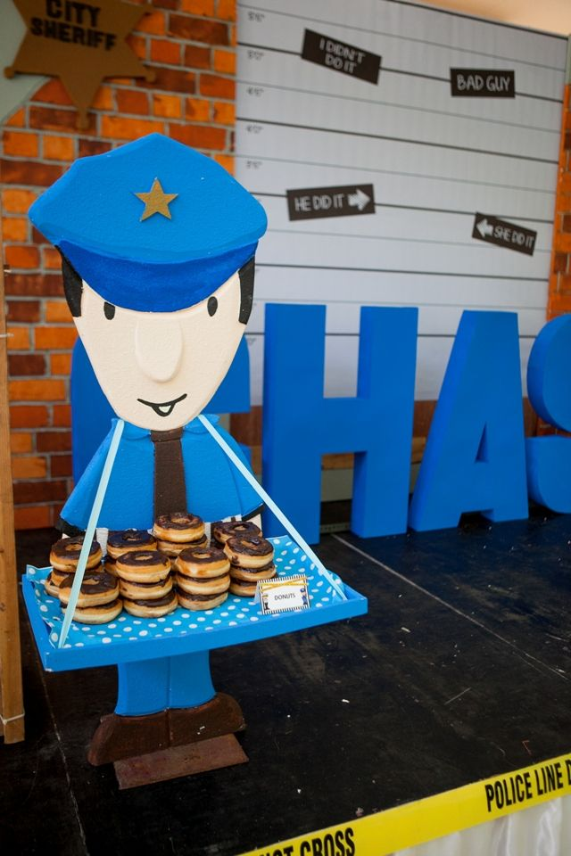 Chase's Cops and Robbers Themed Party – Stage area Details