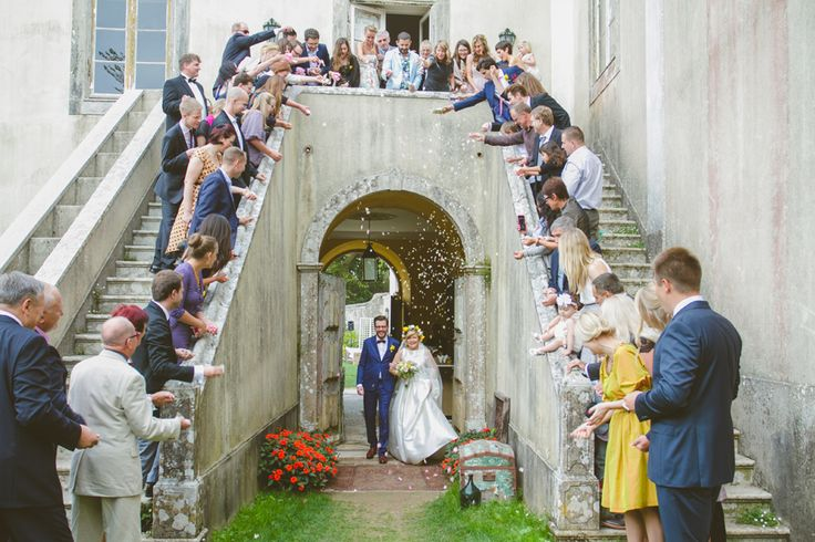 Here they come - www.myvintageweddingportugal.com | #weddinginportugal #vintageweddinginportugal #vintagewedding #portugalwedding #myvintageweddinginportugal #rusticwedding #rusticweddinginportugal #thequinta #weddinginsintra #summerweddinginportugal