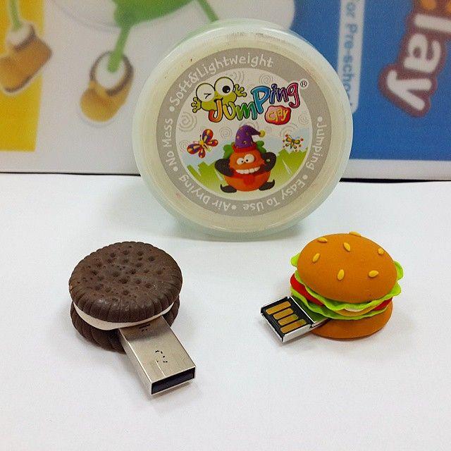 JumpingClay ile digital bilgilerinizi büyük bir iştahla saklarız. #jumpingclaytr #jumpingclay #usb #bellek#hafiza#hamburger#oreo