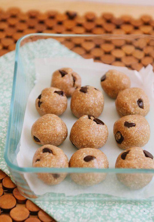 Raw Chocolate Chip Cookie Dough Bites