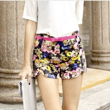 http://www.jollychic.com/p/2013-summer-flower-printing-high-waist-shorts-with-belt-g10167.html?a_aid=mariemvs