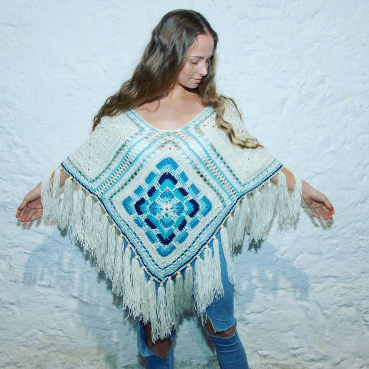 #UjalaBabe @gemmanewlandd in the #ARCTIC poncho looking cosy❄️   #ujalabeach #australiandesigner #ARCTIC #poncho #crochet #warm #blue #white #bohemian #60s #70s #winter #fashion #ujalabeach
