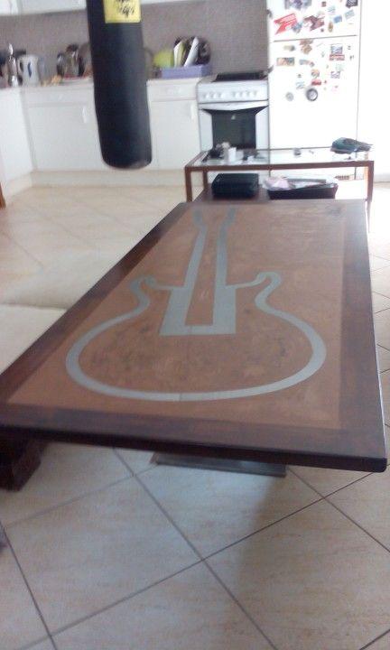 Guitar coffee table made by handmade-sa.