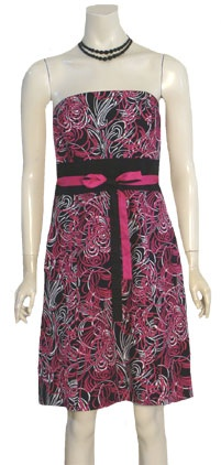 Adorable new strapless cotton dress with a black, fuchsia and white swirl print. Bodice has boning and the wide, black midriff has a reversible pink and black sash.  Dress is fully lined and closes with a side hidden zipper. Bodice is boned, removable cotton belt is pink on one side and black on thed ress is new with $79 price tag.  Labeled Ann Taylor Loft.