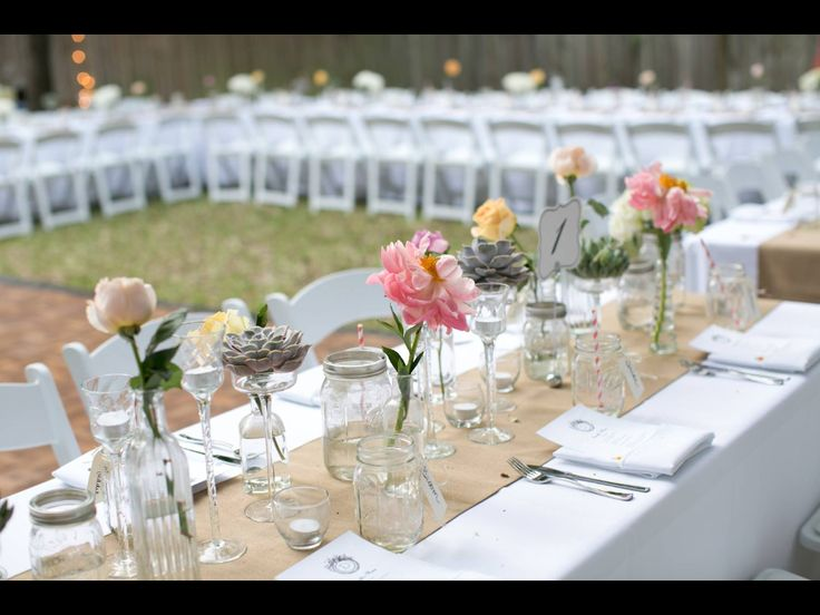 Beautiful simple glass florals wedding table for Bridal table arrangements