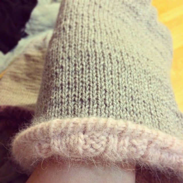 angora cap with merino lining, finally finished!!! #knit #oldrose #cap #hat #handmade #craft #knitstagram #instaknit #merino #angora #pink    http://instagram.com/polaripopin   http://www.polaripop.com