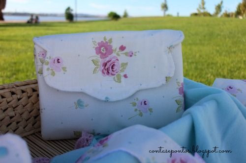 Conjunto de bebé em tecido - muda fraldas