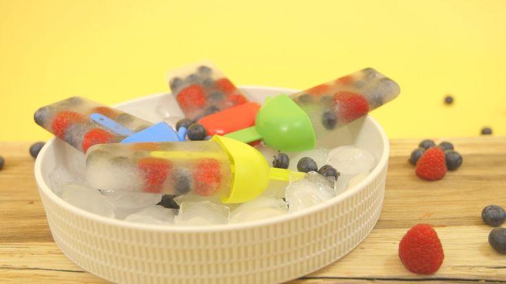Een overheerlijke ijslolly's met vers fruit, die maak je met dit recept. Smakelijk!