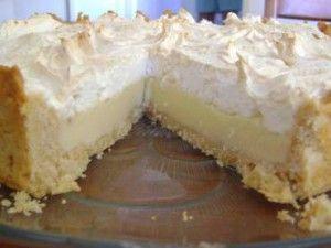 Torta Holandesa, uma delícia! Essa versão é feita em potinhos, que você pode servir na sua festa e também comercializar. Vende muito bem. Veja também: 5 re