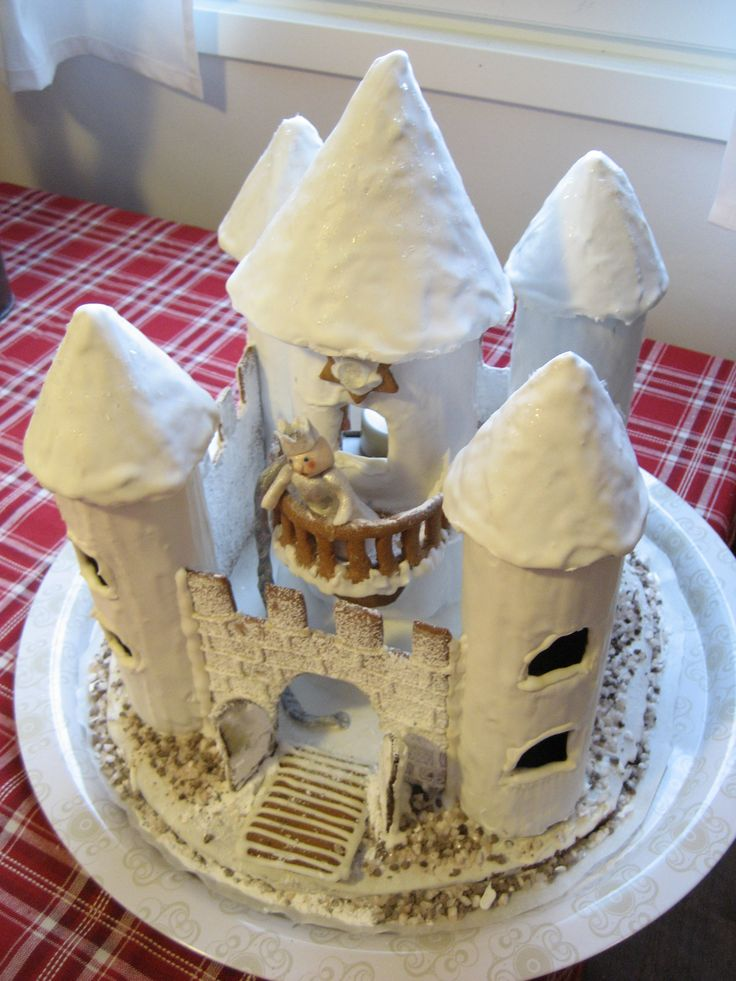 Marsa's big Gingerbread Castle