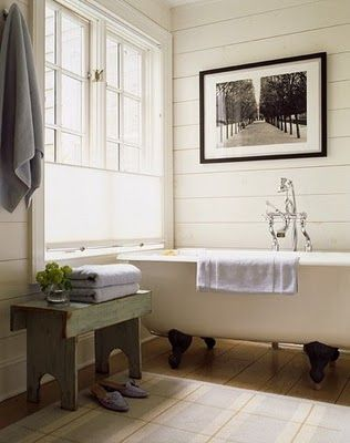 Farmhouse bathroomBeach House, Bathroom Makeovers, Modern Bathroom Design, Decor Bathroom, Clawfoot Tubs, Bathroom Ideas, Bathroom Interiors Design, Bathroom Decor, Design Bathroom